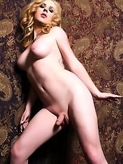 Smoking hot tgirl Juliette stripping seductively