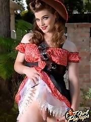 Hot cowgirl Tiffany Starr