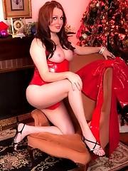 Tempting xmas girl Wendy posing her hard cock