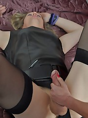 Strapon Jane teaches a blonde tranny how to suck cock using her big strapon.