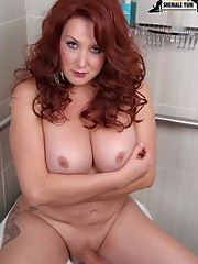 BBW beauty returns to Shemale Yum as a vivacious redhead! The color of her hair may have changed but the sexy curves of her body remained the same!