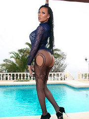 Mia is Back and Her Hotness Fills this Spanish Pool