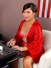 Hot tgirl Khloe Hart stripping and posing