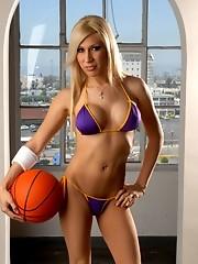 Irresistible Lakers fan posing in sexy bikini
