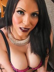 Pretty Marjorie Luvana