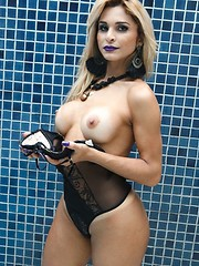 Busty Blonde Polyana Santorini